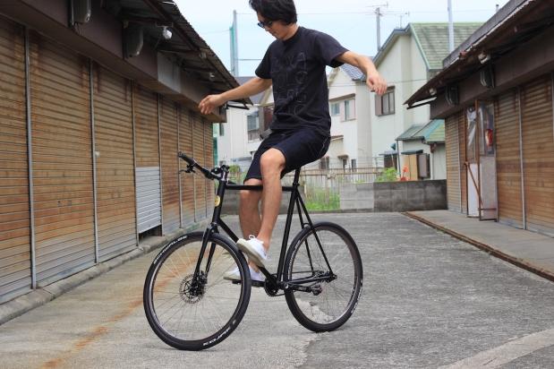 koyamamanboyuusaku_cornerbikes_01