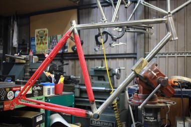 repair_cornerbikes_01