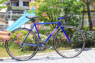 T's_Roadracer_cornerbikes_01